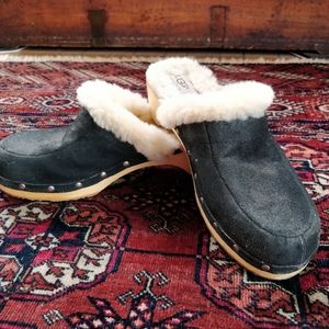 Black suede UGG Clogs